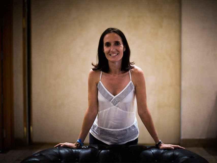 Patricia Campos entrena a un equipo de fútbol en EEUU.