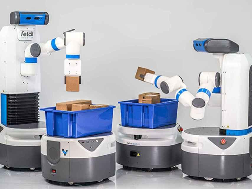 Dos robots de la compañía Fetch Robotics