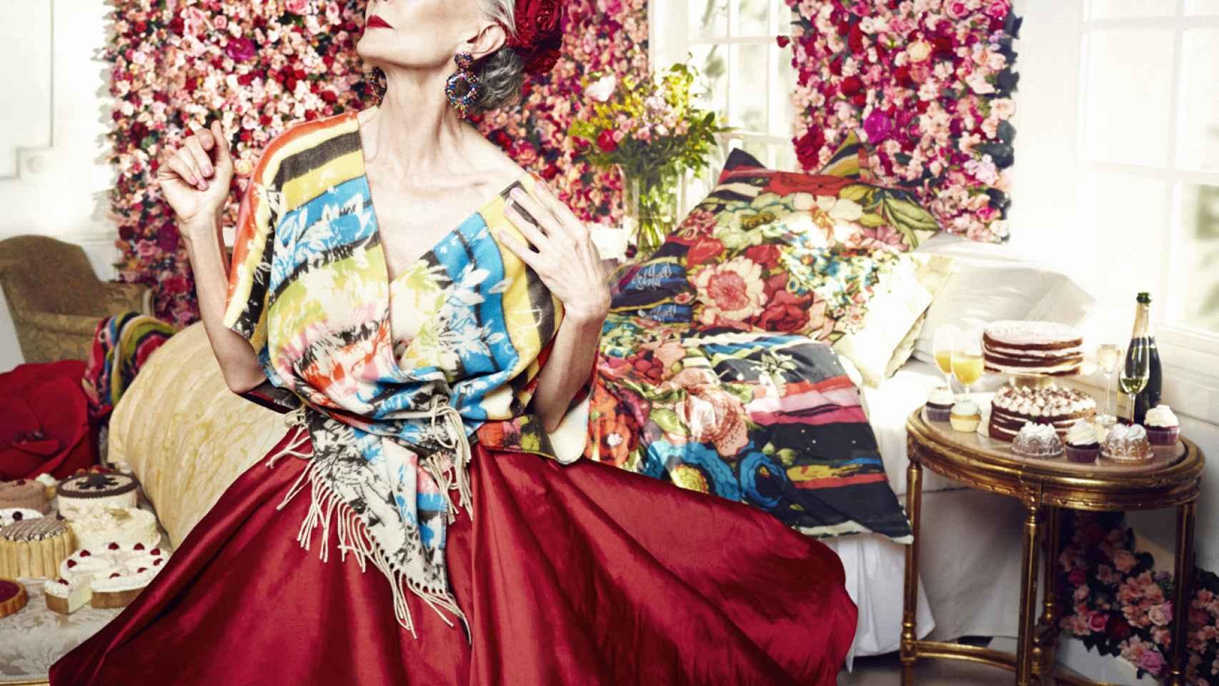 Alicia Borrás aporta un toque de madurez y elegancia a la colección primavera-verano 2016 de la firma Desigual.