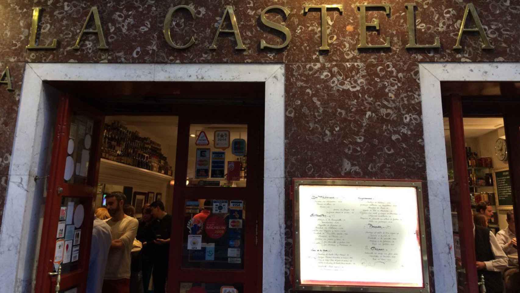 Fachada del restaurante La Castela, en Madrid