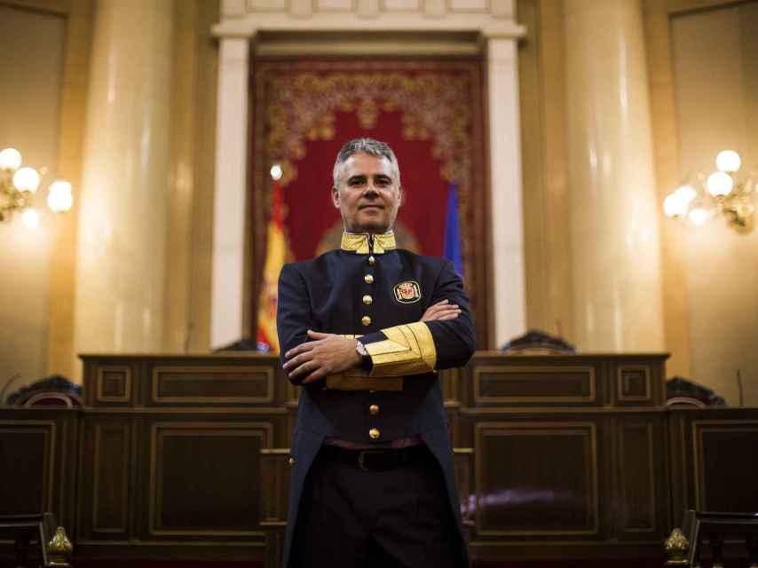Javier del Palacio es ujier desde los 24 años.