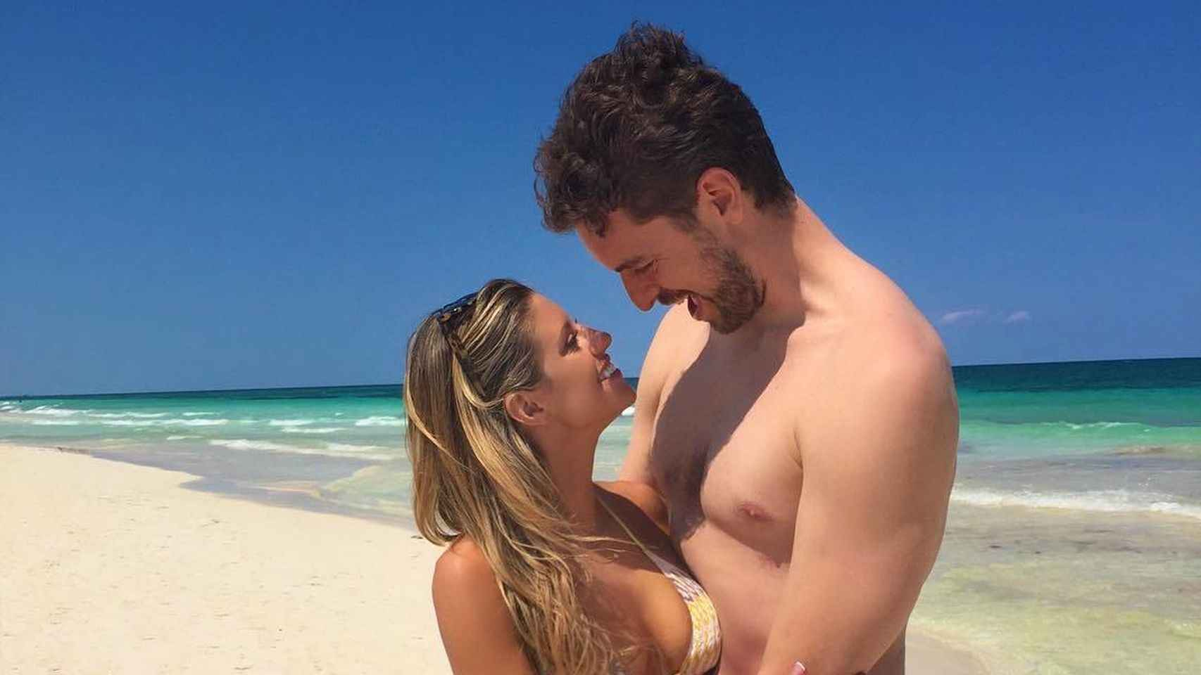 El deportista no pierde ocasión para ver a su nueva novia.