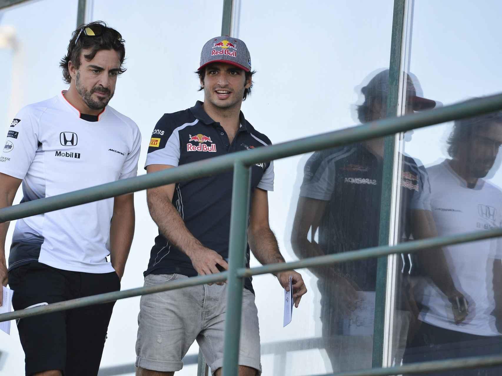 Fernando Alonso y Carlos Sainz JR., en una imagen reciente