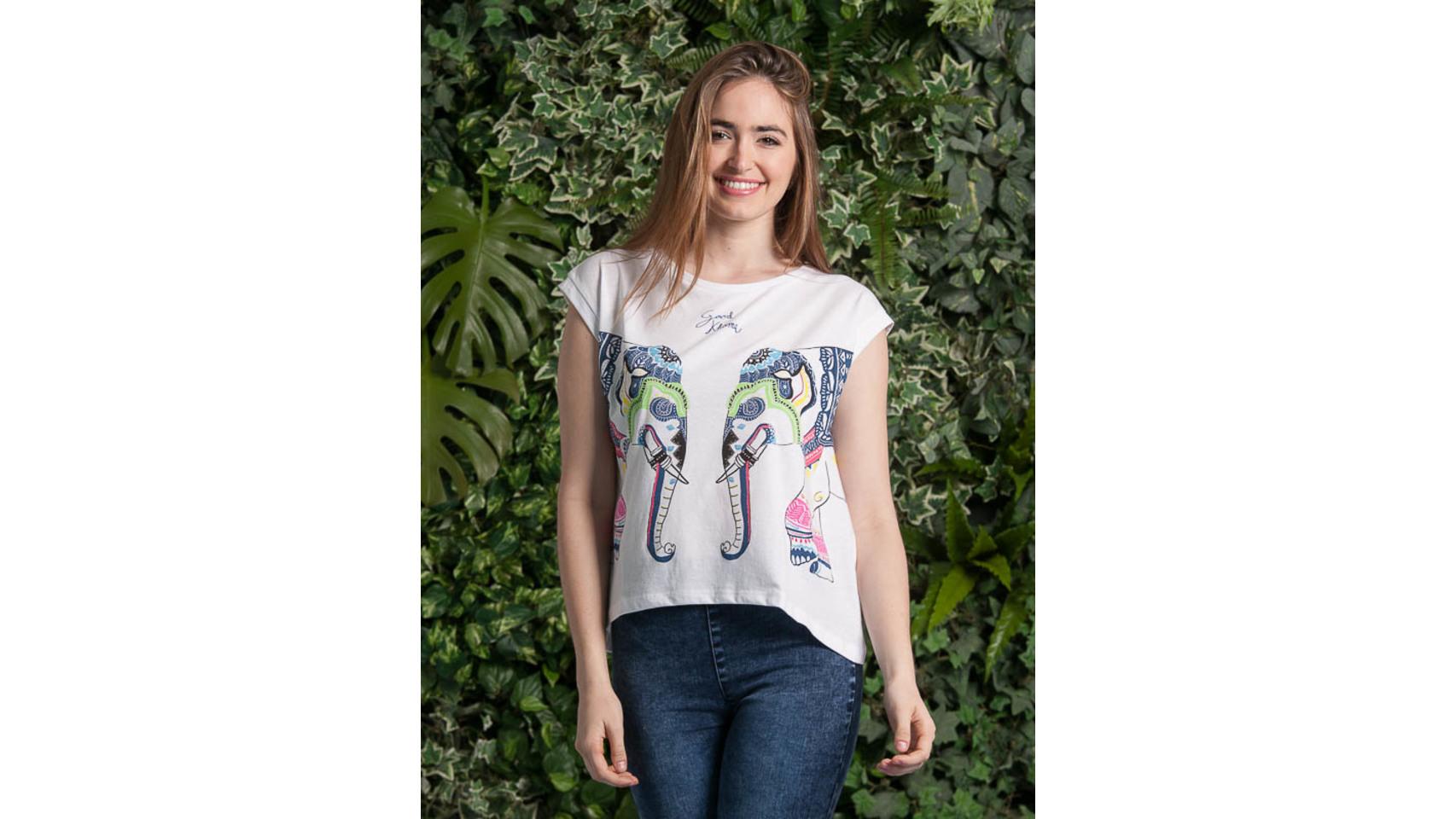 Camiseta Print elefantes de Inside (7,99 euros).