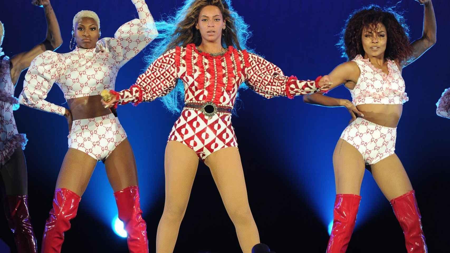 Beyoncé en pleno concierto de The Formation Tour.