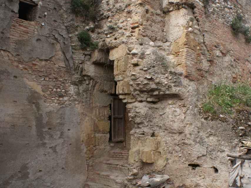 Parte de las murallas del Alabicín.