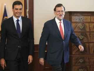 Mariano Rajoy junto a Pedro Sánchez en una de sus reuniones en el Congreso.