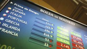 Pantalla de cotizaciones en la Bolsa de Madrid.