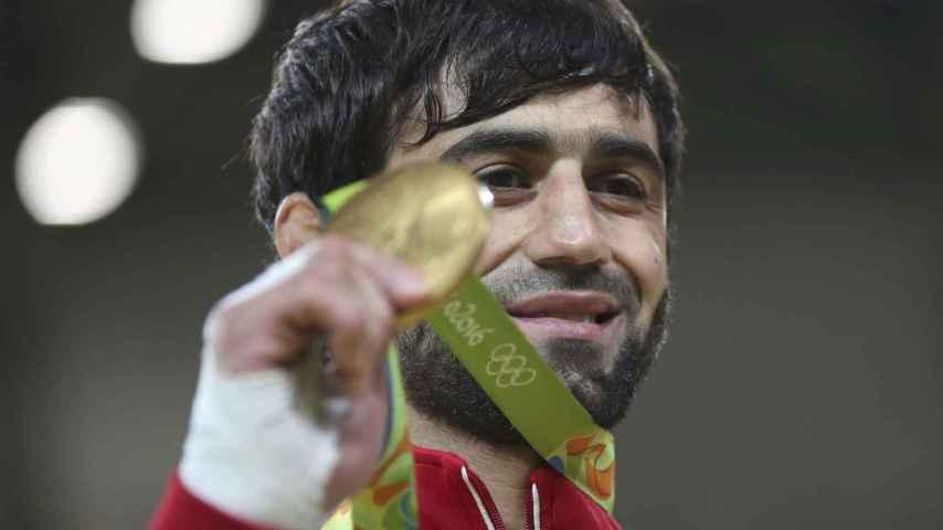 Beslan Mudranov tras ganar el oro.