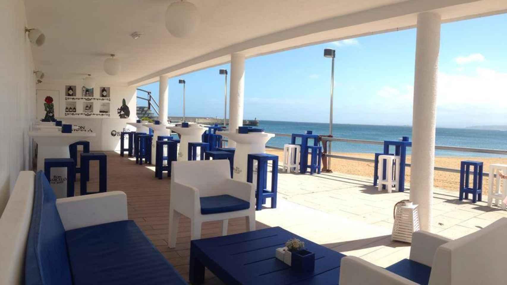Buenas vistas y platos asturianos para acompañarlas en La Playa Luanco.