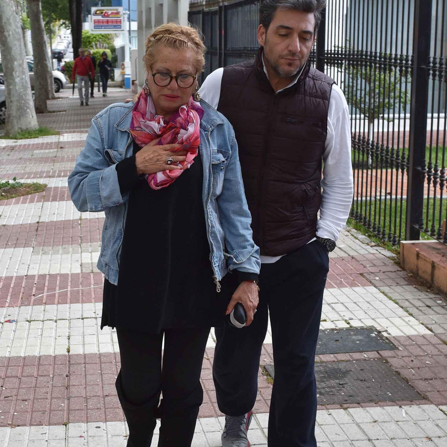 Mayte Zaldívar con su novio Fernando