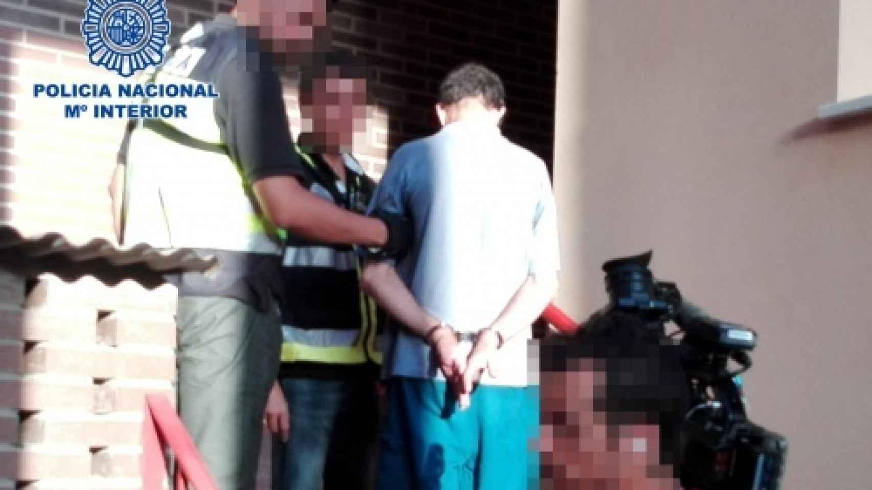 Pompeyo Miranda en el momento de su detención por el atraco de una joyería en Almería.