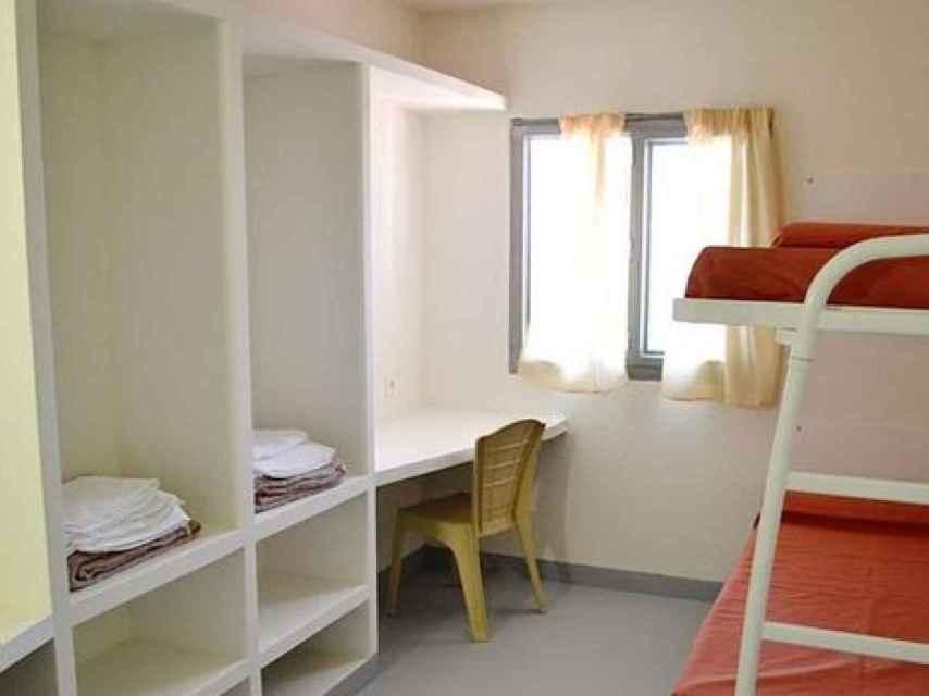 Prenda y Boza conviven en una celda con literas, escritorios y una televisión que han comprado en el economato.