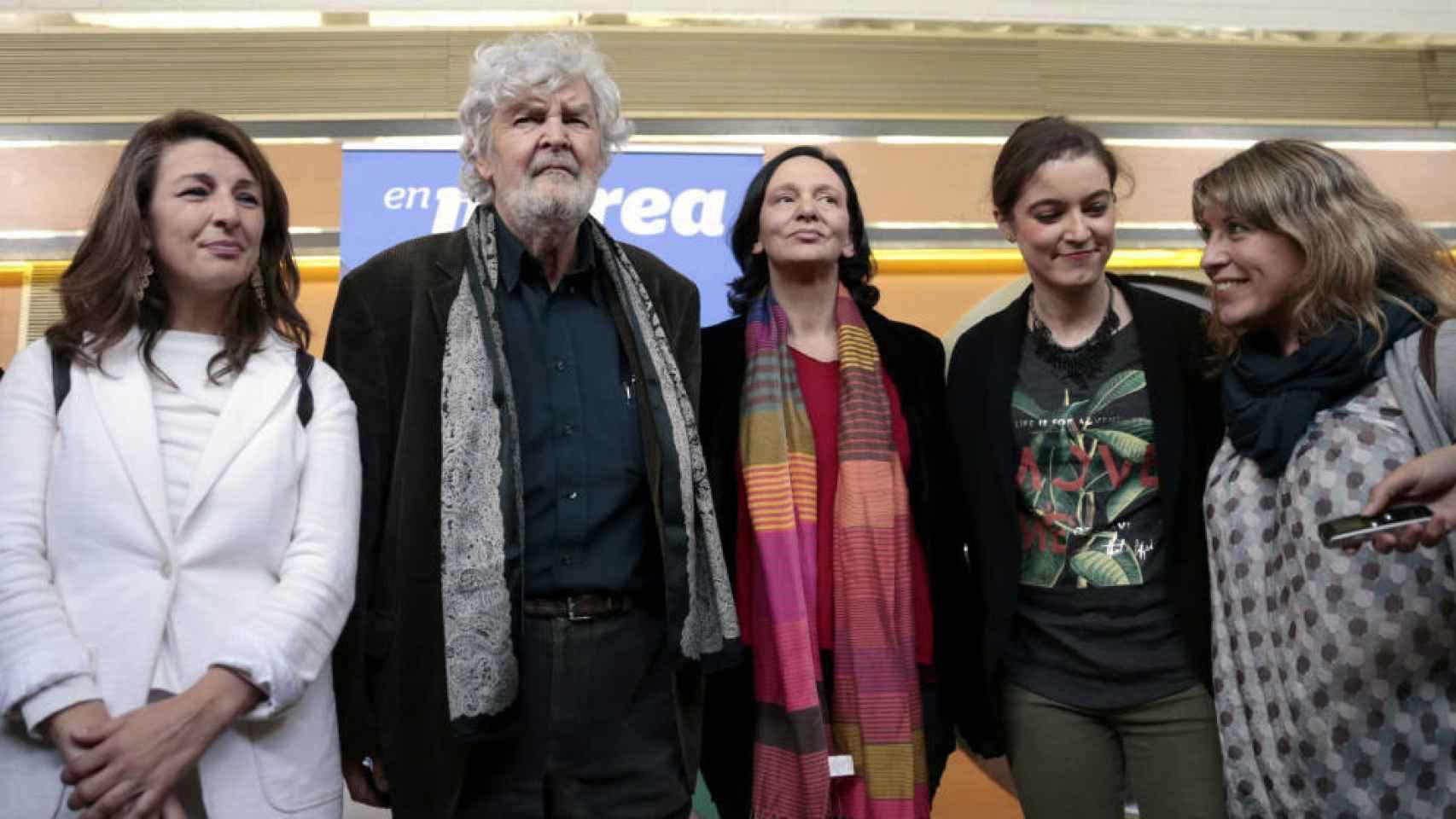 Los representantes de las Mareas y los de Podemos, en una reunión reciente