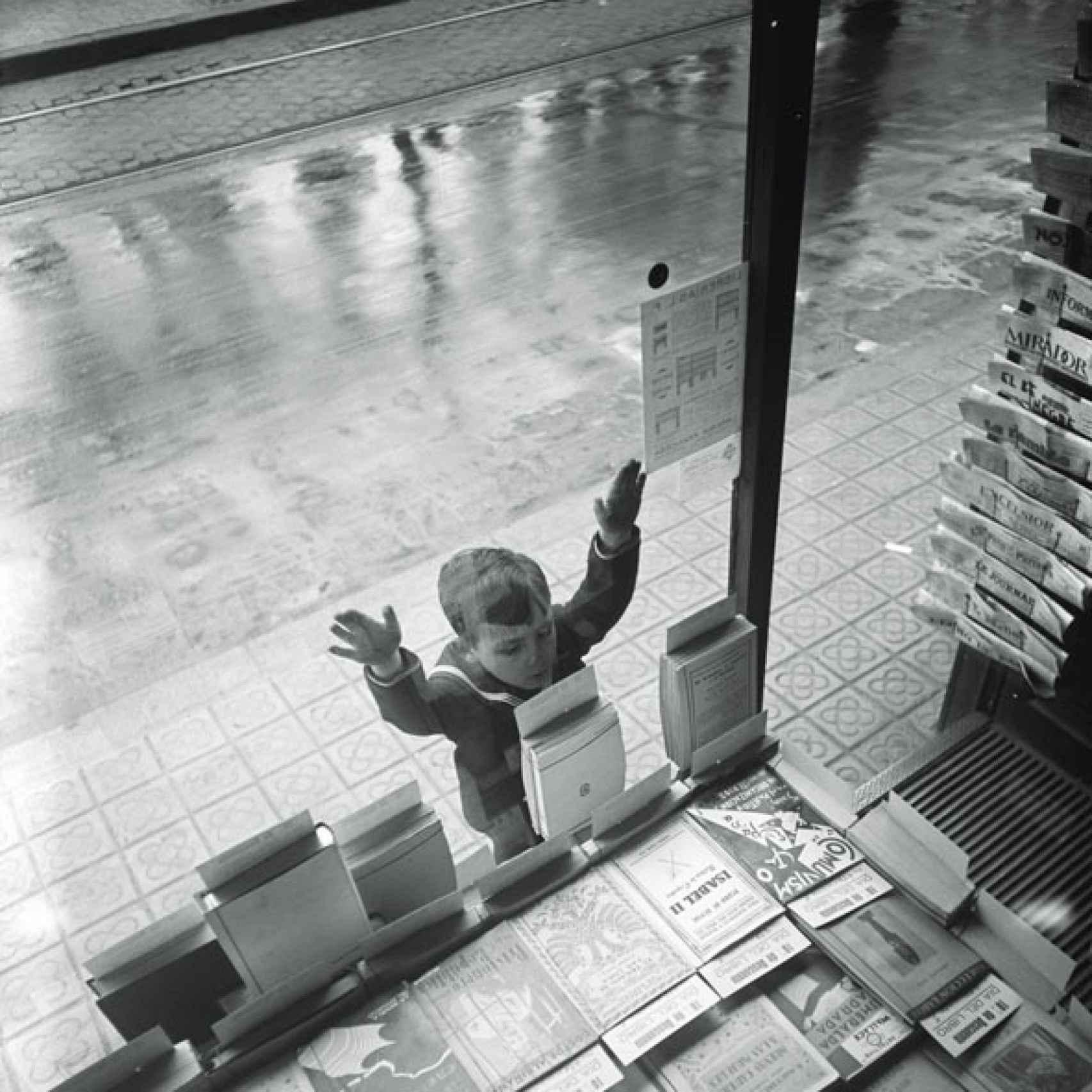 El día del libro, en 1932. Foto de Gabriel Casas, en el MNAC.