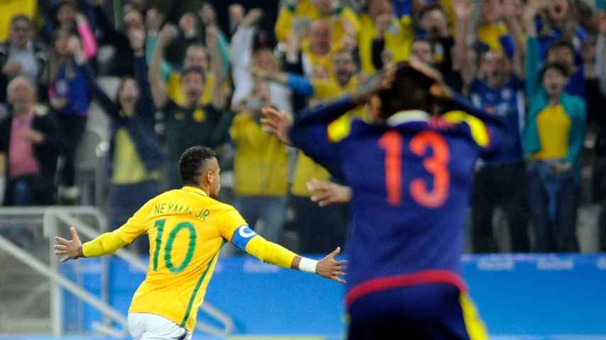 Neymar celebra el 1-0 de Brasil ante Colombia.