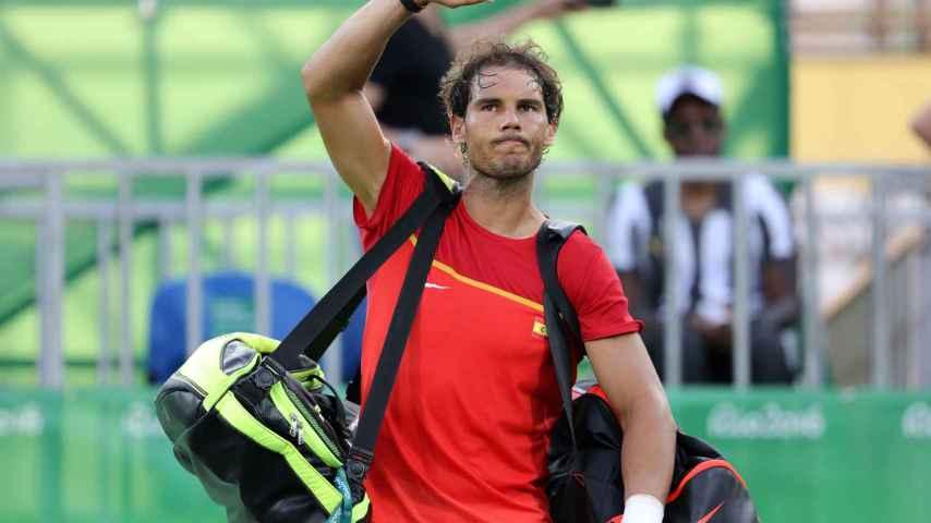 Rafa Nadal se despide tras su partido en Río.