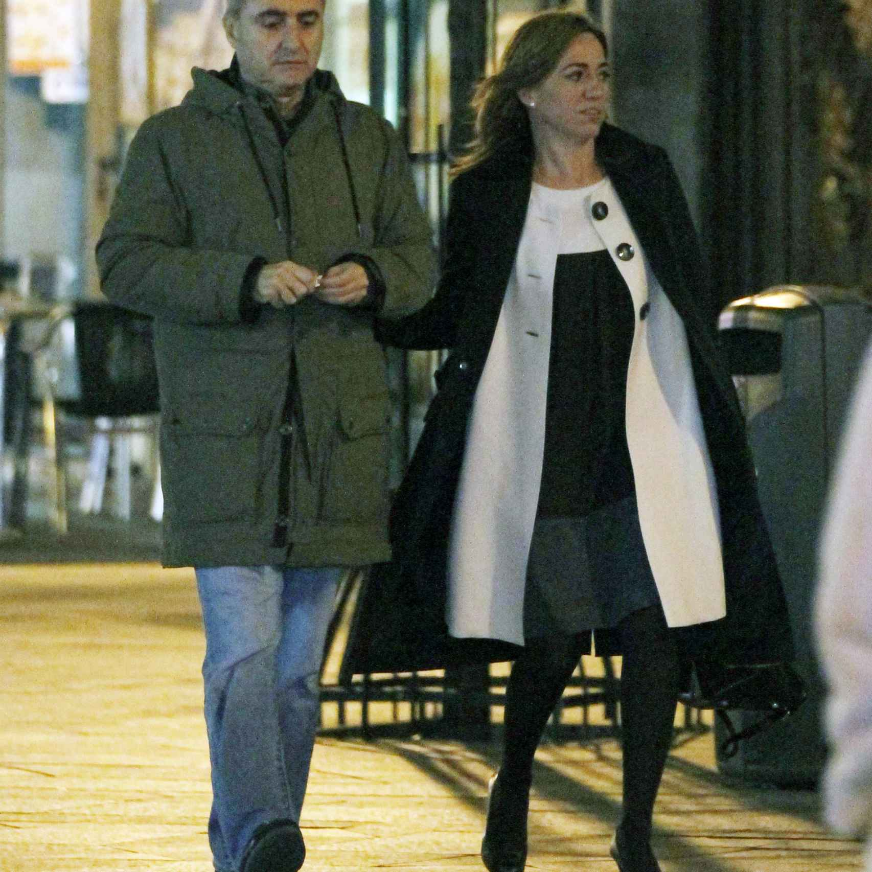 La ex pareja dando un paseo nocturno por las calles de Madrid