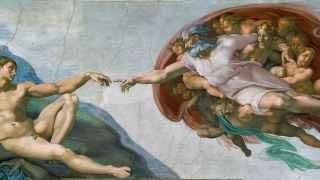 La Creación de Adán, de Miguel Ángel, todo un símbolo del Génesis.