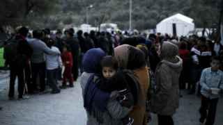 'Save the Children' denuncia el hacinamiento de los refugiados en Grecia