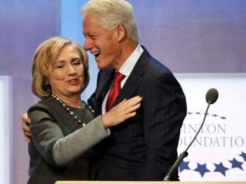 Bill Clinton junto a su mujer Hillary.