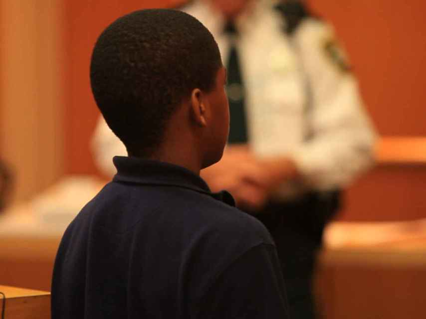 Kenneth Young cometió varios robos a mano armada con 14 años.