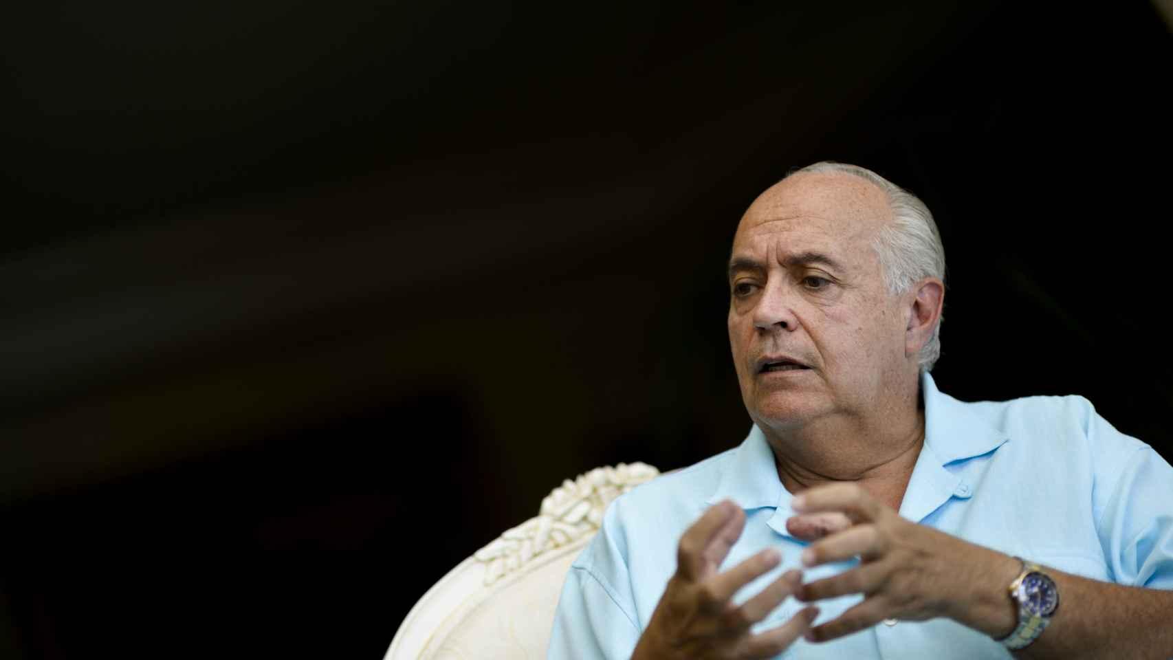 José Luis Moreno trabaja en la creación de Reinas.
