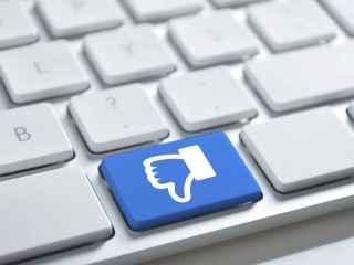 Las declaraciones del fundador de Facebook no han gustado.
