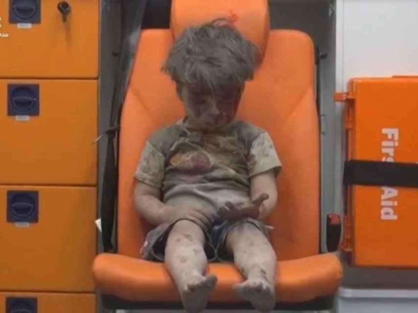 Cientos de miles de niños sirios viven en áreas sitiadas.