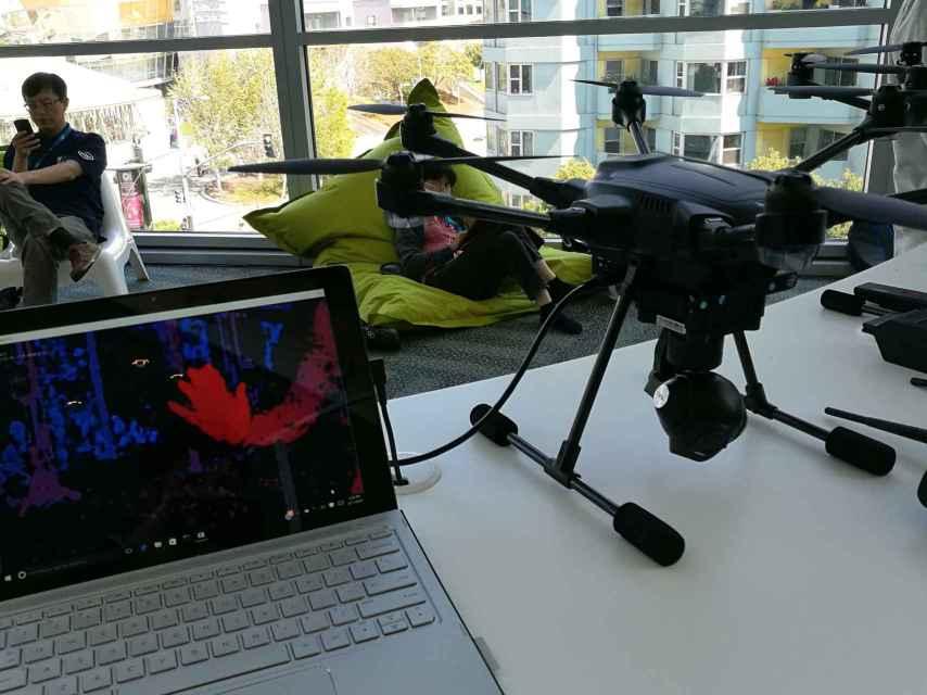 La cámara del Typhoon H capta 18 millones de puntos de profundidad por segundo.