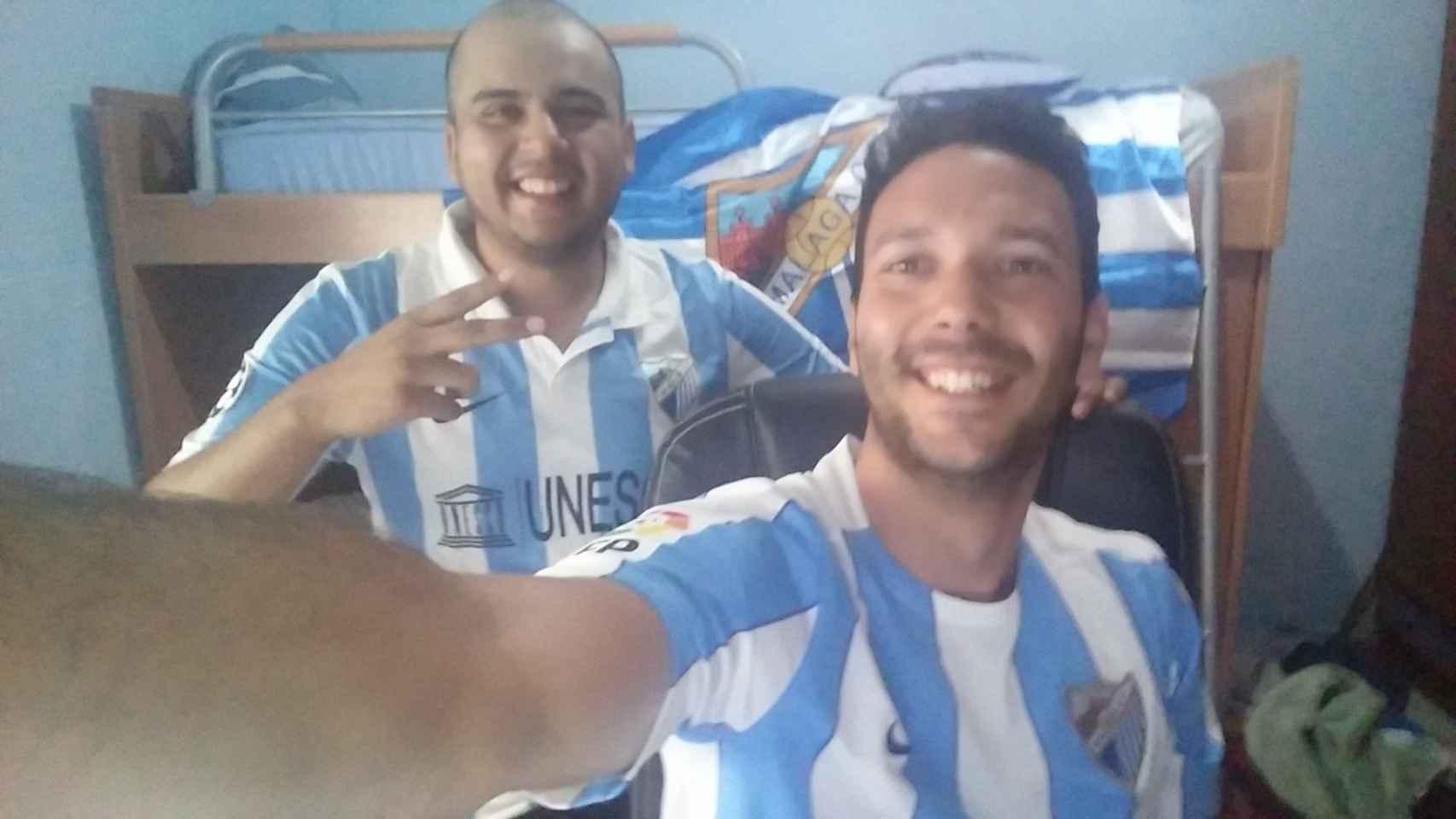 El selfie que nos han dedicado Michael, el americano malaguista, y su amigo Vale.