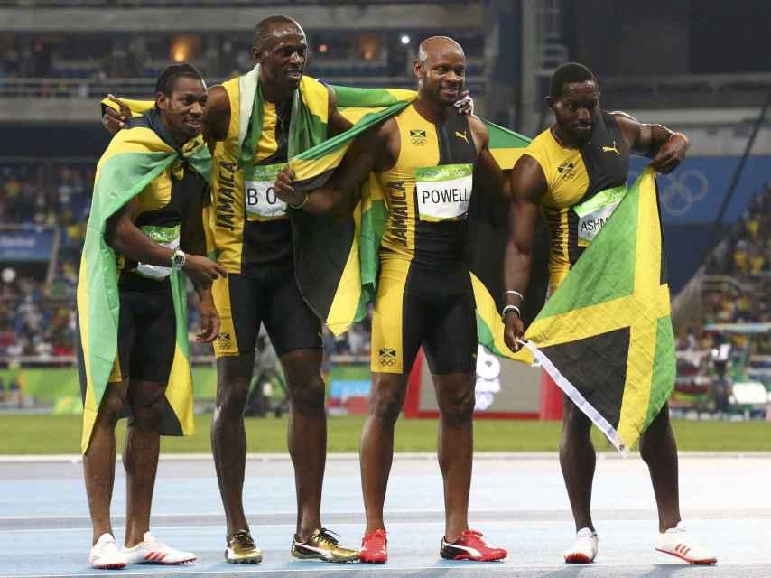 El cuarteto jamaicano del 4x100: Blake, Bolt, Powell y Ashmeade.