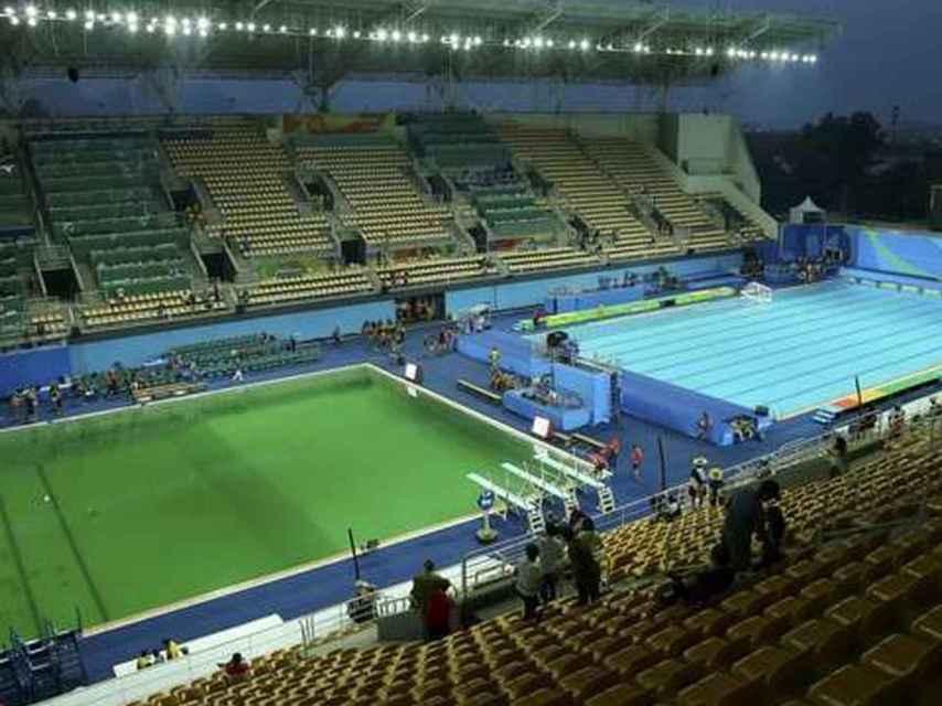 La piscina de saltos apareció verde.