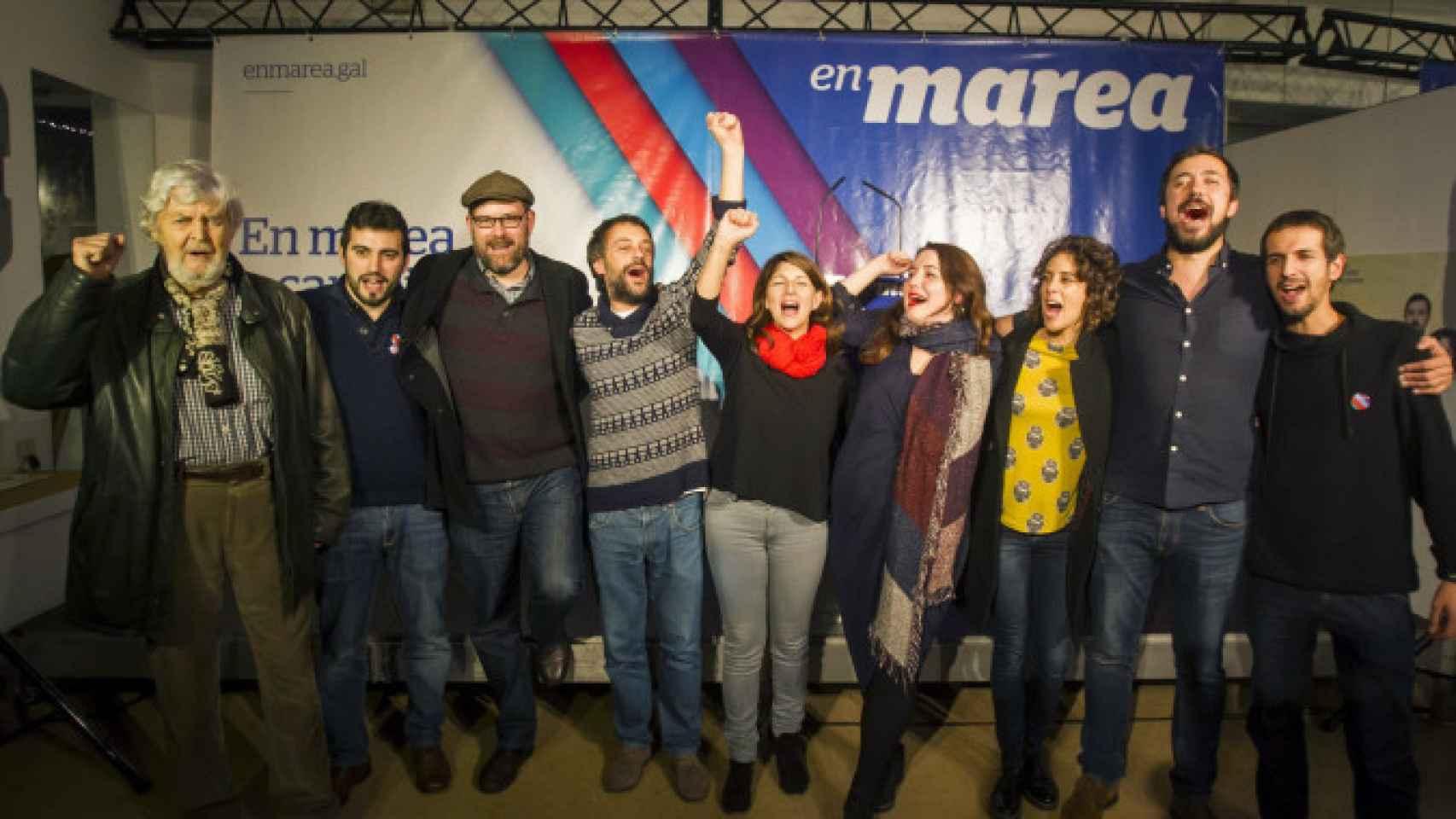 Los principales exponentes de En Marea, al cierre de un acto.