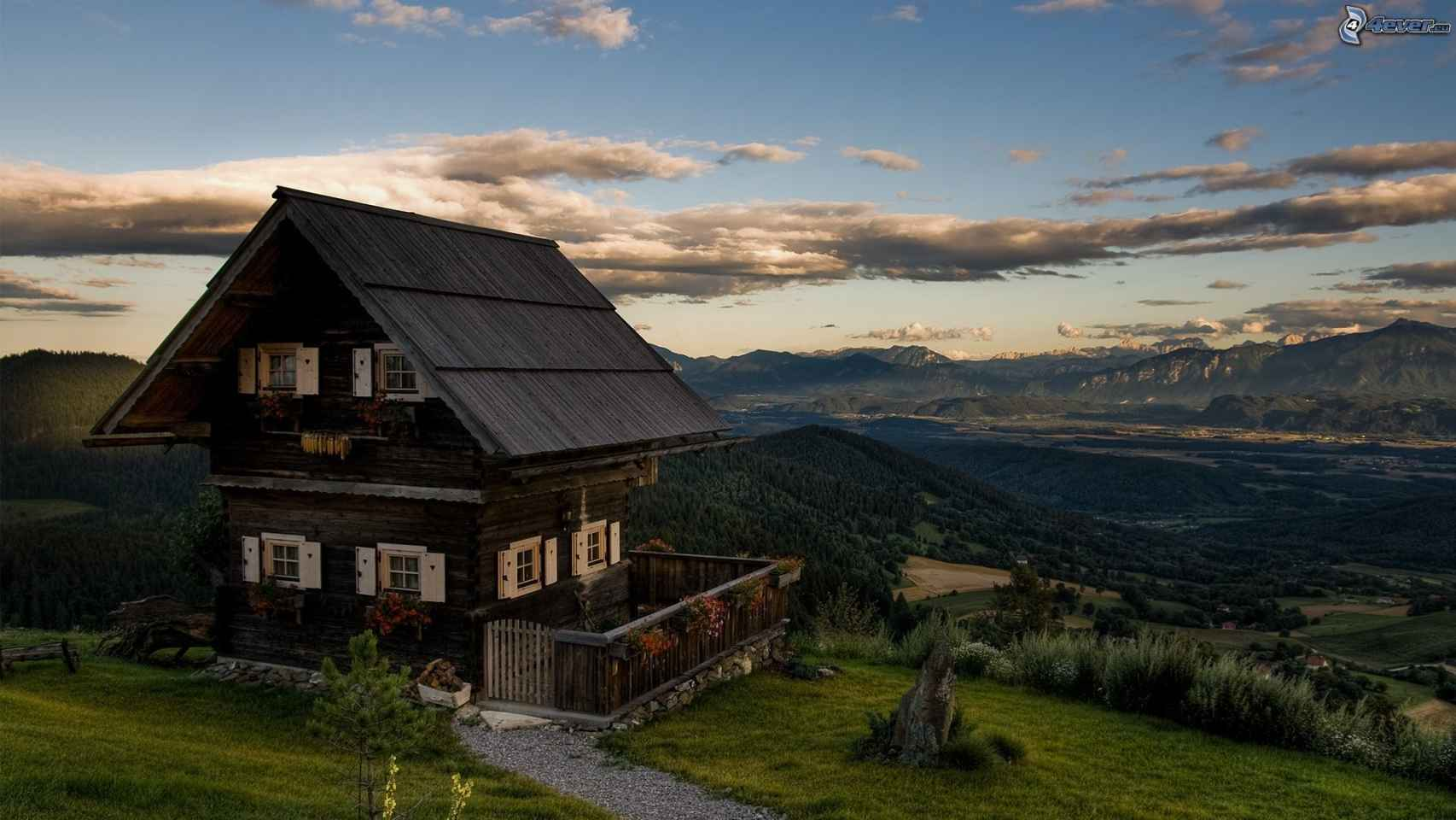 Pequeña cabaña en la montaña para disfrutar de la naturaleza.