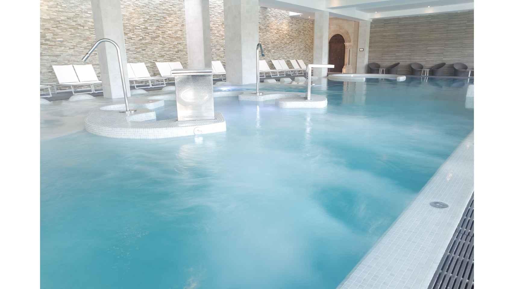 Detalle piscina termal Castilla Termal Monasterio de Valbuena.