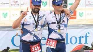 José Manuel Candón y Nico Arellanos celebran su victoria en el Cross Xterra.