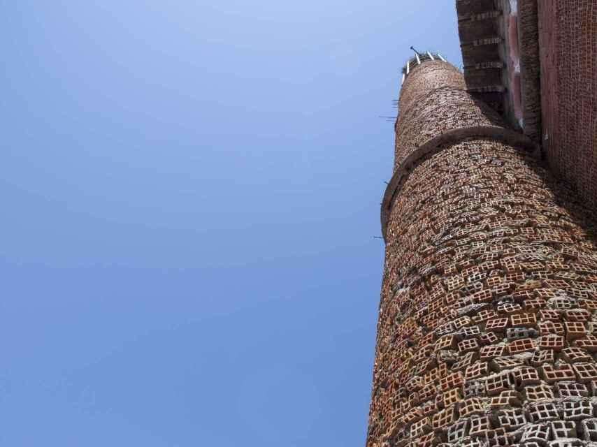 Justo Gallego utilizó un material ligero, a modo de grava, para dar más ligereza a los edificios.