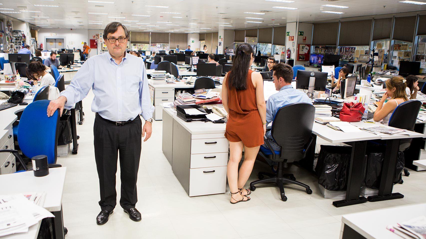 Marhuenda, director de La Razón, en la redacción del periódico del grupo Planeta.