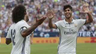 Marcelo y Asensio, durante un partido.