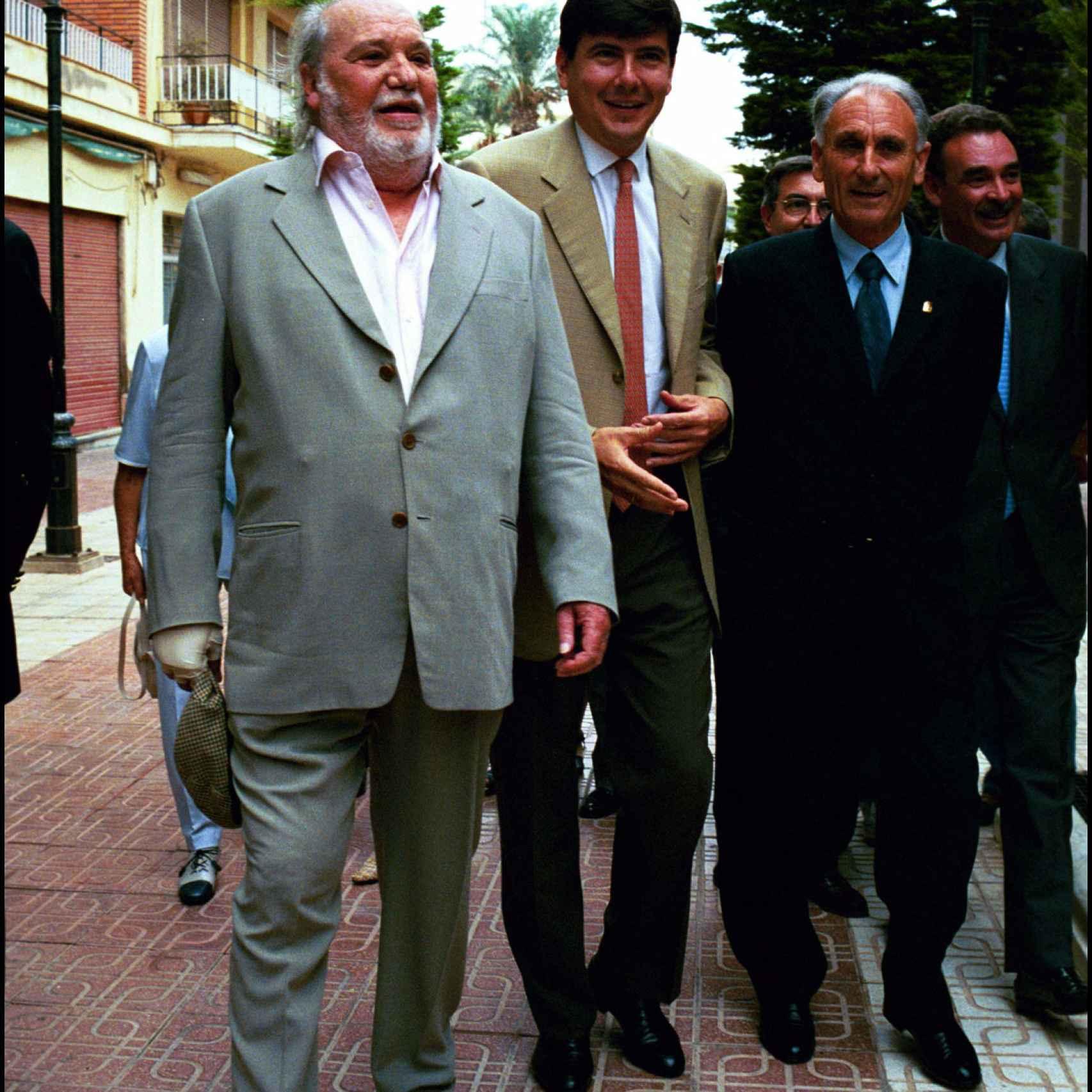 En su etapa como Ministro de Trabajo junto al actor Paco Rabal