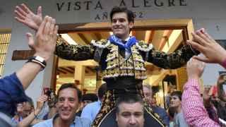 José Garrido sale a hombros.