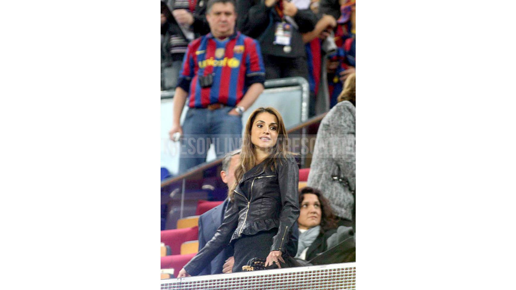 Durante un partido de liga en el Nou Camp, Barcelona (13-11-2010).