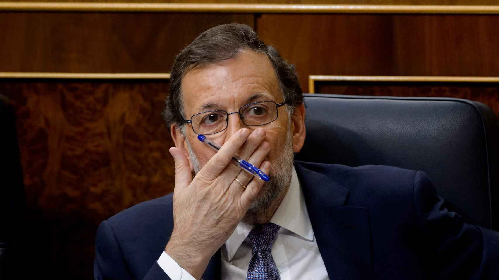 Mariano Rajoy bosteza en el pleno.