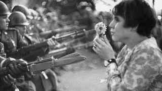 Muere Marc Riboud, el icono del pacifismo