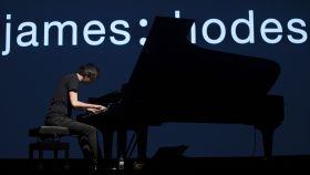 James Rhodes durante uno de sus conciertos en España.
