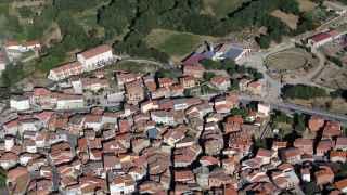 Entierran en su pueblo de Ávila a la primera víctima de la 'fiebre de la garrapata'