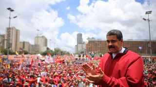 Maduro presume de haber derrotado una intentona golpista violenta y fascista