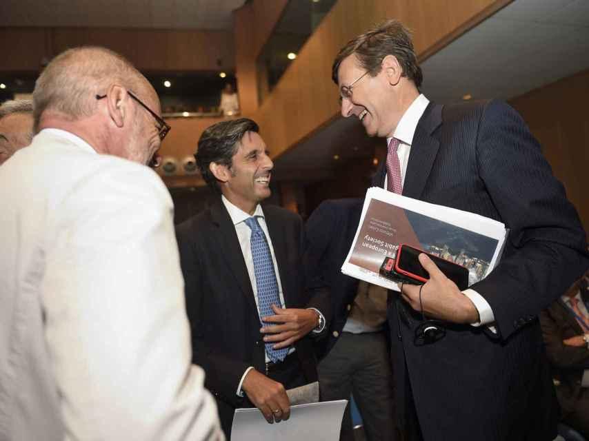 Los tres máximos directivos de Telefónica, Vodafone y Orange en el XXX Encuentro de Telecomunicaciones.