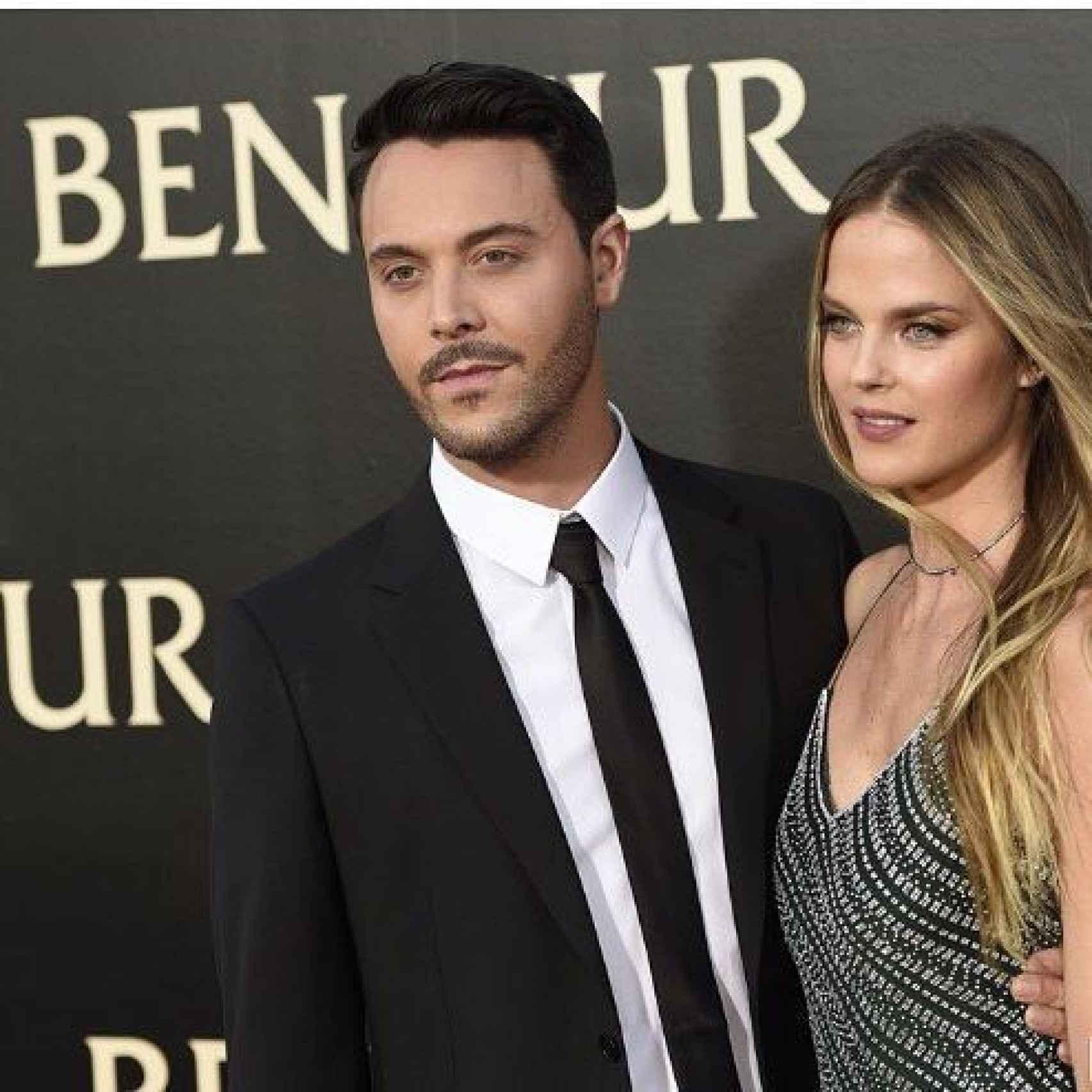 Jack Huston con su mujer en el estreno de Ben-Hur